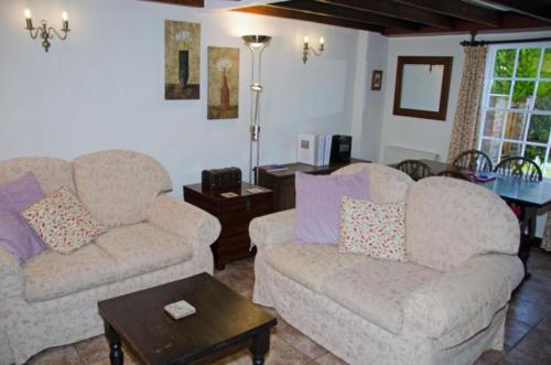 Hope Cottage 2 (Living Room)